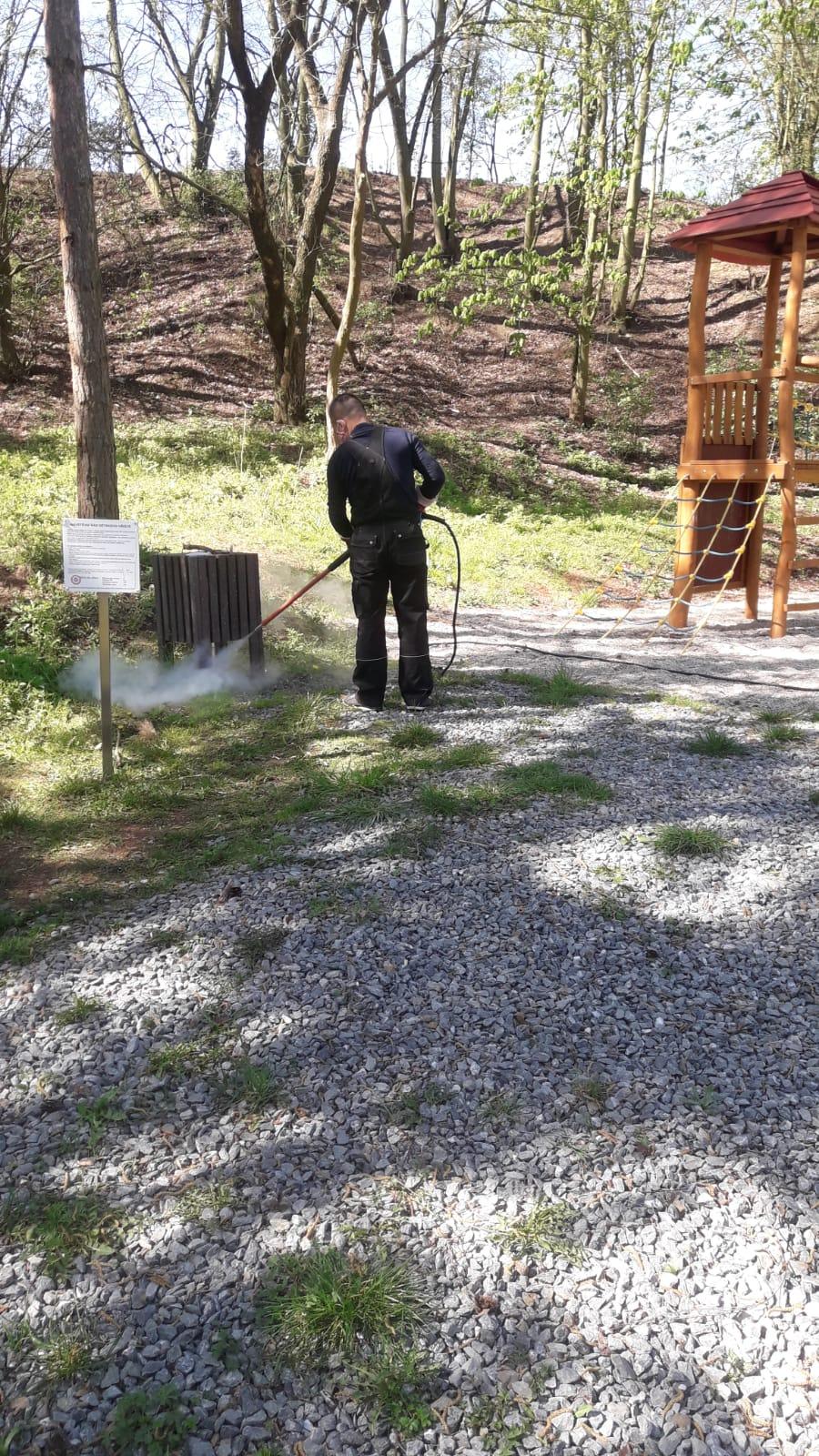 Dezinfekce 5 hřišť v Plzni