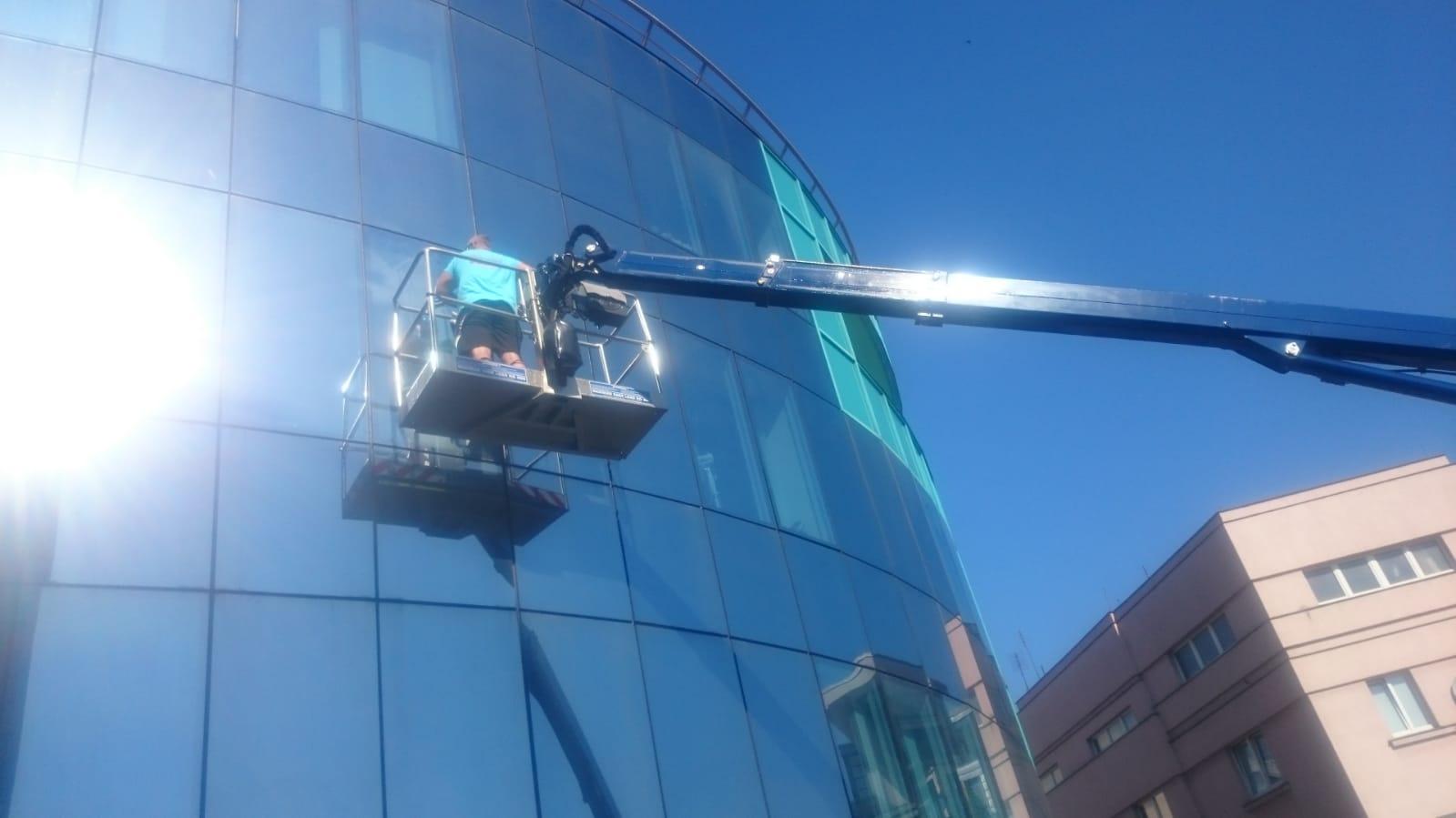 Čištění & mytí oken a fasády