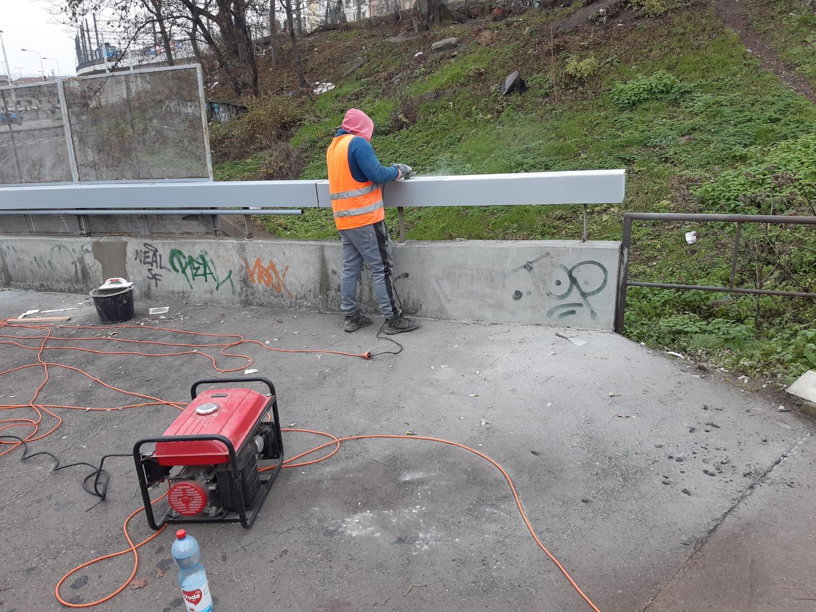 Čištění, broušení, nátěr a oprava Wilsonova mostu