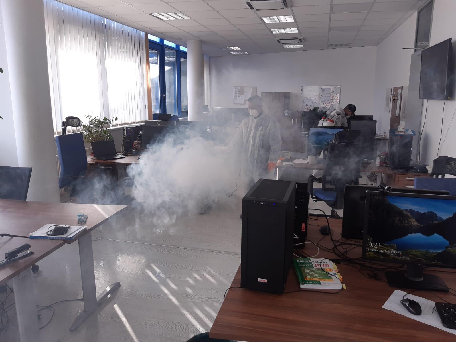 Dezinfekci kancelářských prostor – polymerová dezinfekce GCA401 a Bactakleen