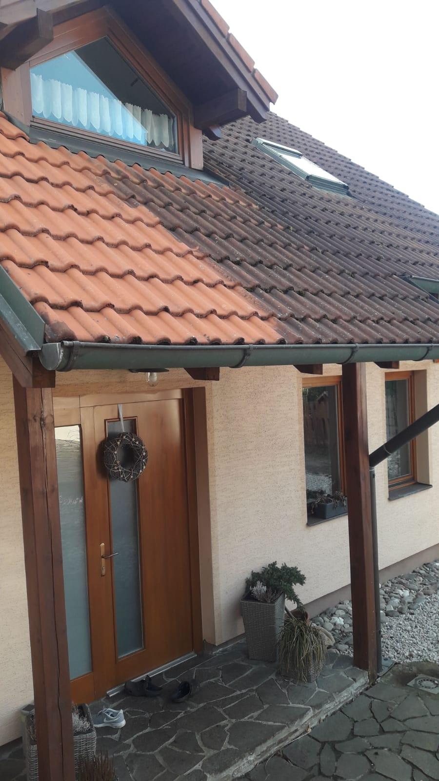 Mytí střechy rodinného domu